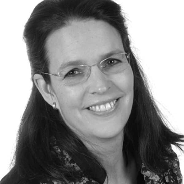 Portrait Cornelia Leonhardt Assistenz der Geschäftsführung